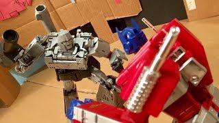 Optimus Prime vs. Megatron stop-motion
