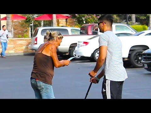 Rich VS Poor Blind Man Honesty Social Experiment