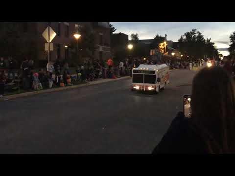 Mini CATA Bus At The 2018 Penn State Homecoming Parade