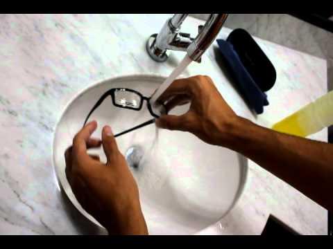Óptica Essencial - Vídeo aula de como limpar corretamente seus óculos 6c45db06e3