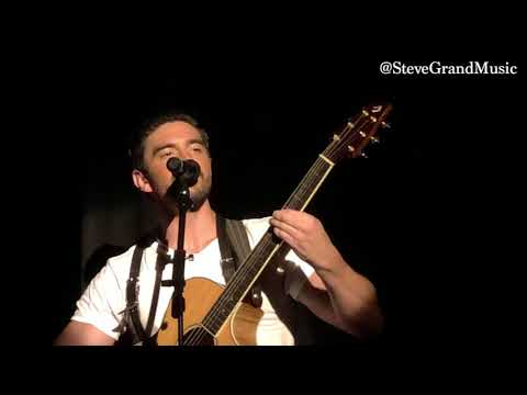 Steve Grand  Blackbird performance  The Beatles  September 2018