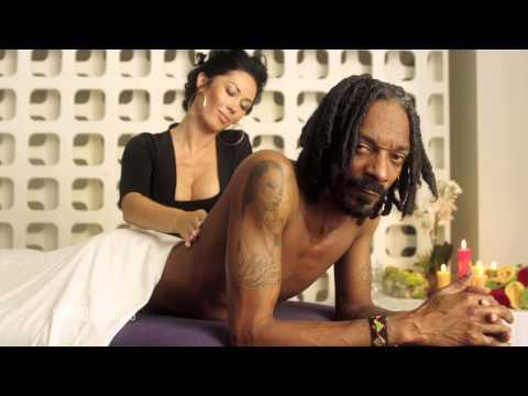 Snoop is your host .. OOOOOOOH WEEE! 10/15 #hiphopawards