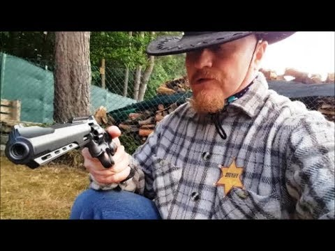 Download Sheriff tests the Ruger Superhawk BB CO2 Airsoft Revolver