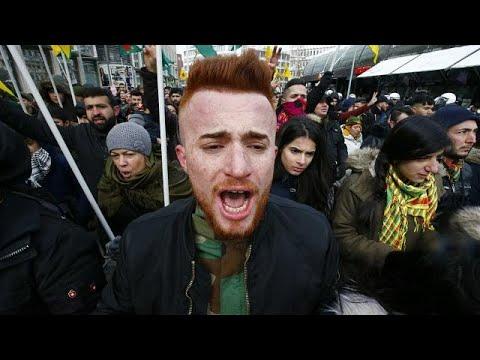 Comunidade curda na Alemanha em protesto