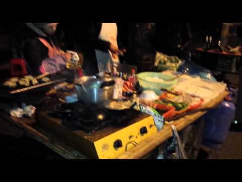 Shanghai Night Street Food in the Freezing Cold