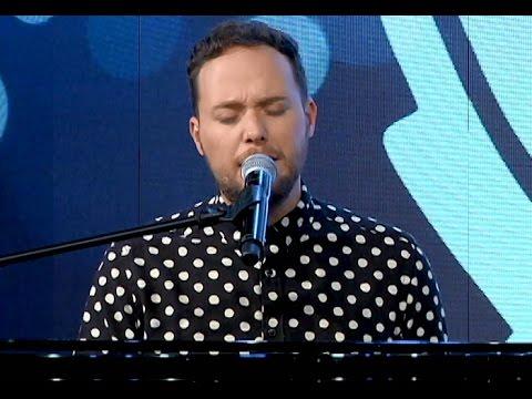 André Valadão canta