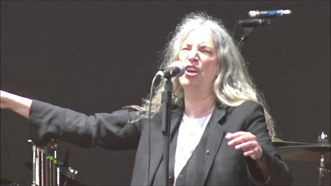 Patti Smith Horses Gloria Live In Dublin 06 06 2018 Youtube