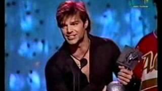 Ricky Martin Receiving MTV Europe Music Award