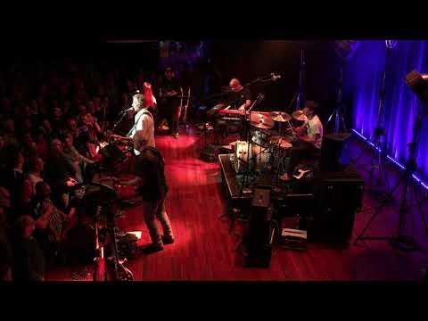 John Illsley (of Dire Straits) - Walk Of Life  @ Tivoli Vredenburg, Utrecht NL (22-11-2017)