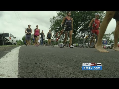 Triathletes get ready to compete in Omaha