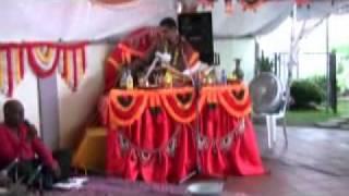He Sharde Maa - Pundit Anirudh Maraj.mp4