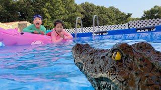 수영장에 악어가 있어요!! 서은이와 유준이의 수영장 악어 사건 Crocodile in the Pool