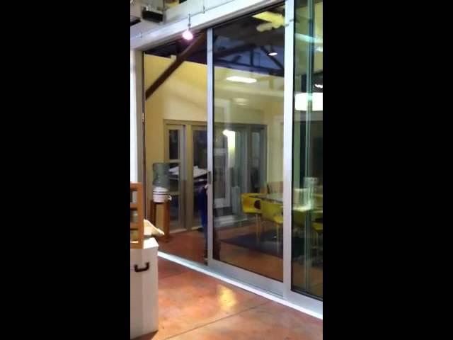 Child_Closes_Lg_Fleetwood_Door.MOV