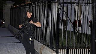 Un intrus dans les jardins de la Maison Blanche