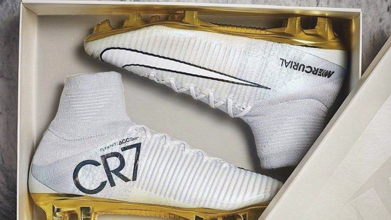 mayoria Puntuación Millas  Nike Mercurial Balon De Oro Cristiano Ronaldo 2016 - YouTube