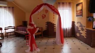 Оформление зала в красном