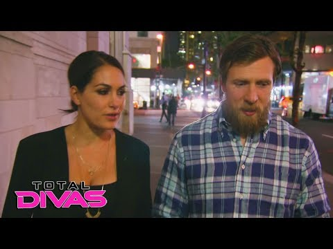 """Brie Bella has reservations about Nikki's """"Dancing with the Stars"""" offer: Total Divas, Jan. 17, 2018"""