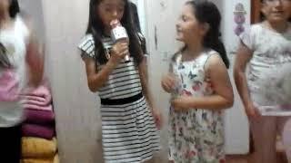 Kızların şarkıları