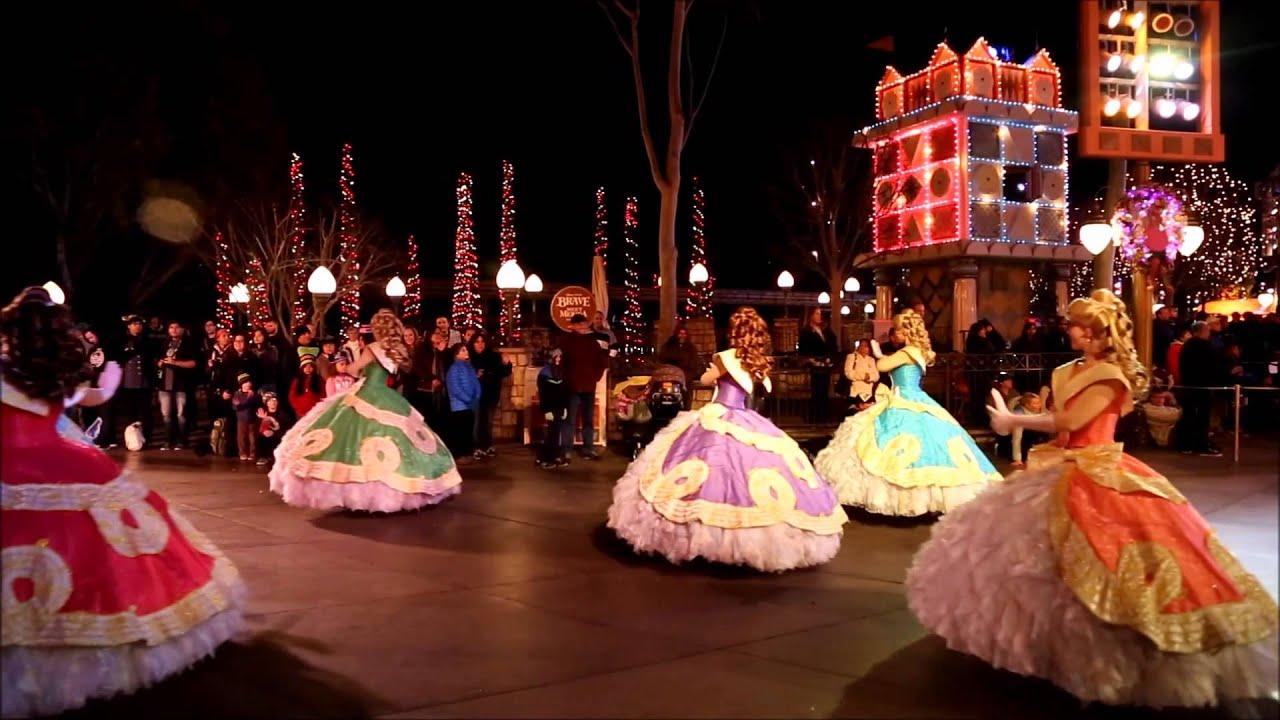 Mickey's Soundsational Parade at Disneyland Park - YouTube