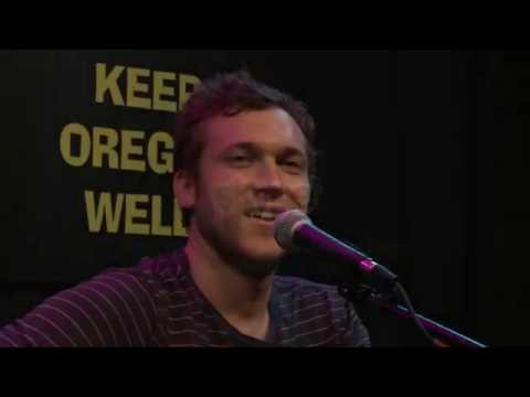 Phillip Phillips - Interview (101.9 KINK)