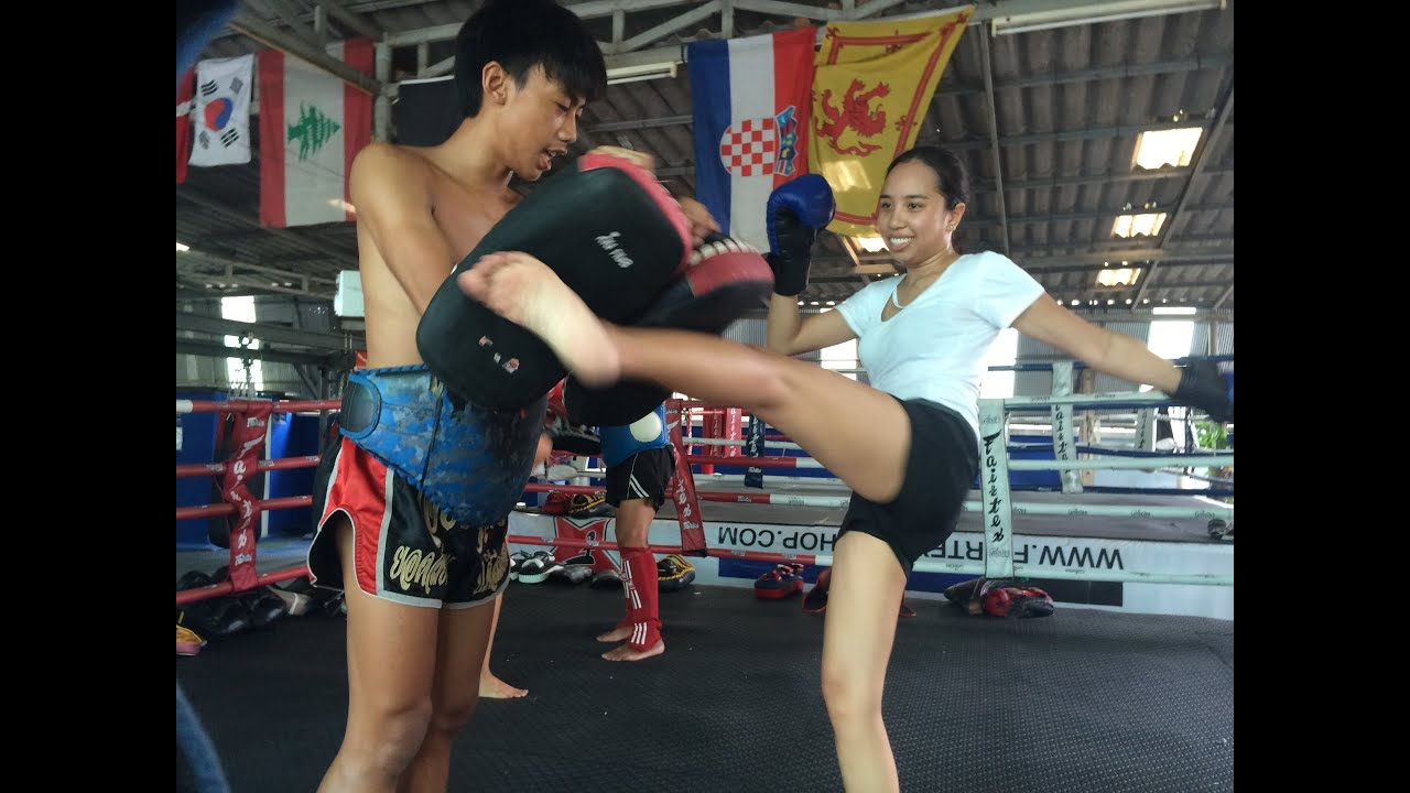 Excellent naked muay thai girl have