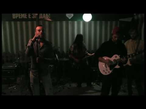 Diamond Balazhi Band - Down On The Road (Live)
