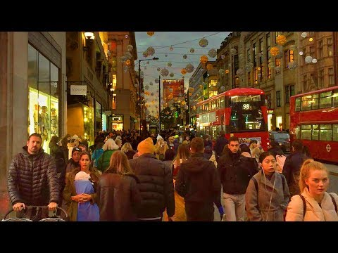 London Walk of Oxford Street at Christmas - Tottenham Court Road to Oxford Circus