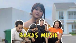 Gambar cover BRISIA JODIE - MENUNGGU JADI PACARMU (Menjamu) (BAHAS MUSIK)