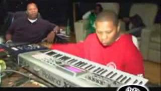 Mannie Fresh Making a beat