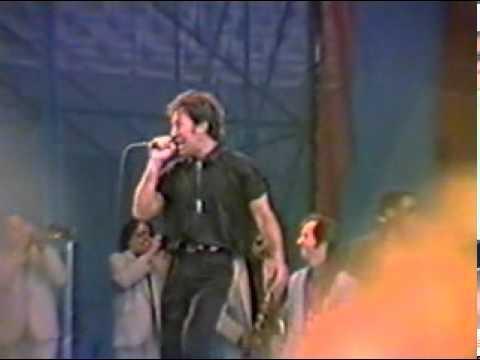 Bruce Springsteen with Edwin Starr - War