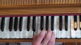 Обучение на фисгармонии. Арджуна Кришна пр. 2012