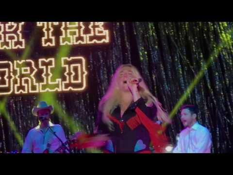 Kesha performing Woman live for the first time ever in Iowa 7/20/17