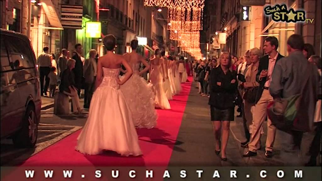 Defile Auguste Comte Tapis Rouge Max Chaoul Youtube