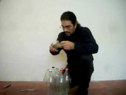 Como hacer un taburete de botellas pet versi n corta - Como tapizar un taburete ...