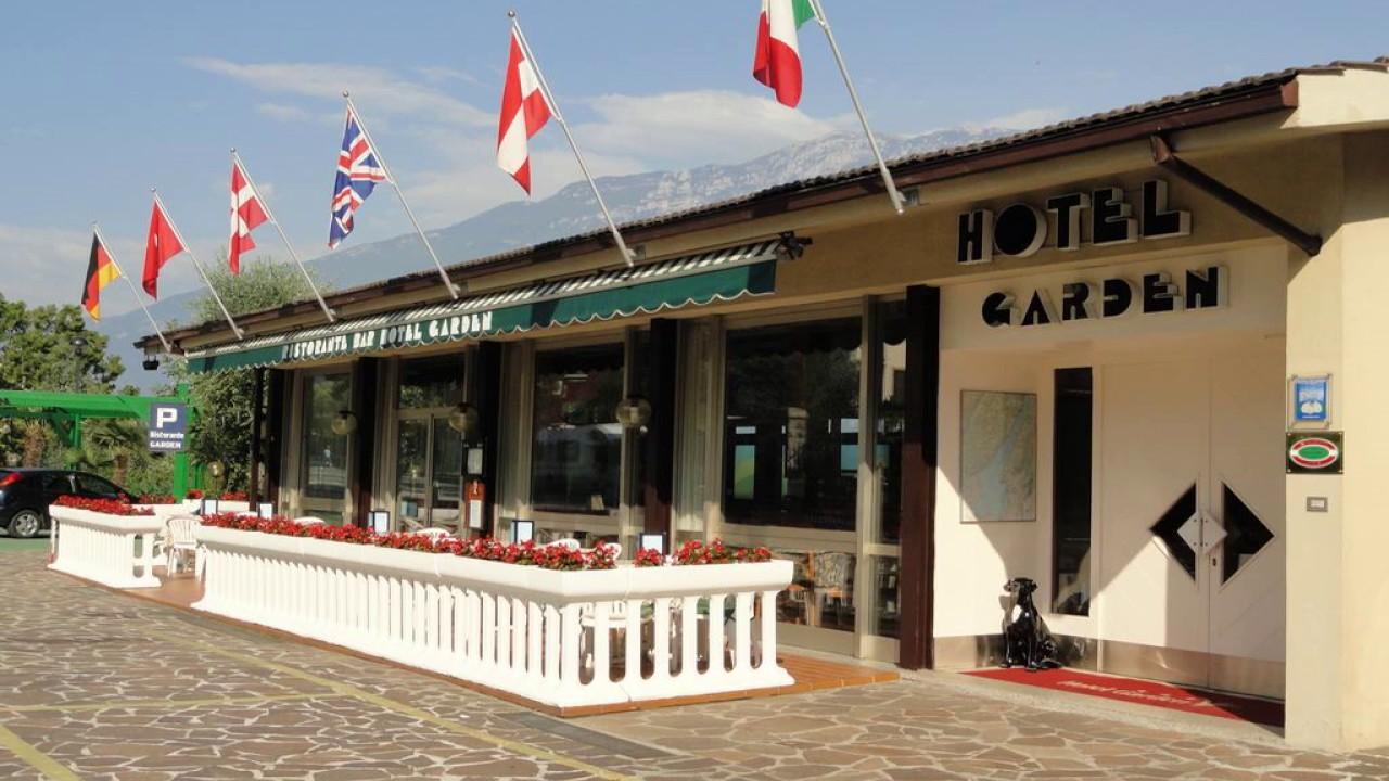Hotel Via Novembre  In Limone Sul Garda Italy
