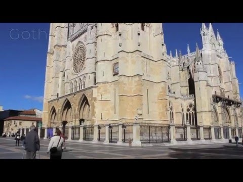Walking Tour through León, Spain
