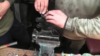 Смотреть видео Ремонт рулевого редуктора
