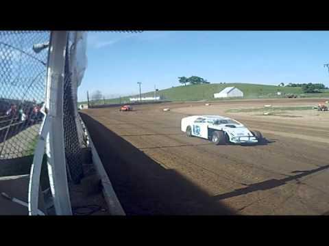 sport mod hot laps at 35 Raceway