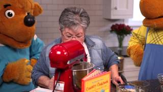 Cooking with The Berenstain Bears: Honey Hunt Cookies