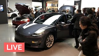 Tesla Showroom Madness!! Model 3 Viewing Now Possible in CA
