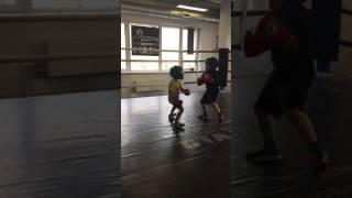 видео В какую спортивную секцию отдать ребенка 5-7 лет — выбираем вид спорта для мальчиков и девочек