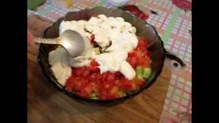Как вкусно приготовить витаминный салат с крабовыми палочками. // Олег Карп