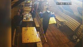 У Коломиї в кафе відвідувачі зірвали зі стін українські прапори