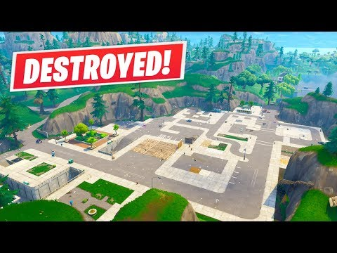 Fortnite // Tilted Towers Has VANISHED! (Fortnite : Playgrounds LTM)
