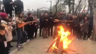 Aleviler cemevi bahçesinde ateş yakıp semah dönerek Newroz'u kutladı