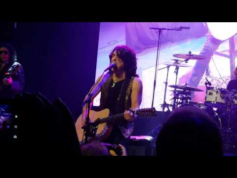 Kiss - Hard Luck Woman (Live at Badlands, Pawn, Gold &Jewelry in Sioux Falls,  SD) No Makeup! !
