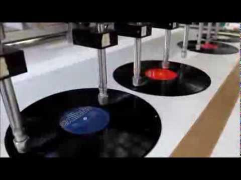 Schallplatten Uhr schneiden - YouTube