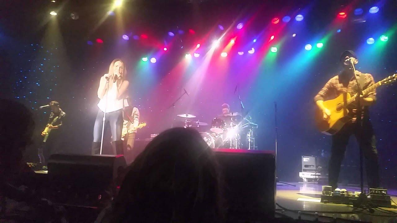 Danielle Bradbery Singing Room For Two 8 8 15 Atlantic