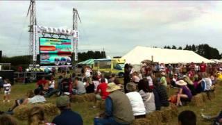 Video DEREK SANDY AT THE ISLE OF WIGHT GARLIC FESTIVAL 2011 download MP3, 3GP, MP4, WEBM, AVI, FLV Juni 2018