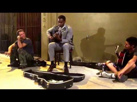 """Leon Bridges """"Coming Home"""" Helping Buskers In Deep Ellum Dallas On July 29, 2015. ;)"""